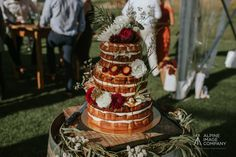 Wanaka's most beautiful and creative wedding cakes - they taste *just* as good as they look. Boho Bride, Boho Wedding, Destination Wedding, Wedding Flowers, Wedding Day, Fresh Cake, Creative Wedding Cakes, Bright Flowers, Wedding Desserts