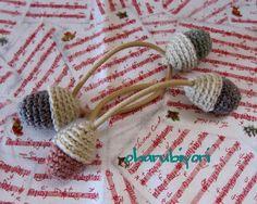 編み編みのどんぐりのヘアゴムです♪やさしいアースカラーで・・・髪を結えるだけじゃなく、アイロンやドライヤーなどのコードを結えたりすると可愛いです♪プレゼント用...|ハンドメイド、手作り、手仕事品の通販・販売・購入ならCreema。