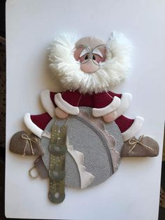 me ~ Babbo piatto su palla Christmas Elf Doll, Christmas Stocking Kits, Primitive Christmas, Felt Christmas, Winter Christmas, Christmas Time, Christmas Stockings, Christmas Crafts, Clear Christmas Ornaments