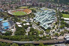 Unidad Deportiva Atanasio Girardot - Construcción de tribunas altas en los costados norte y sur del estadio. Año de construcción: 1990 Ciudad: Medellín, Antioquia, Colombia Cliente: Municipio de Medellín