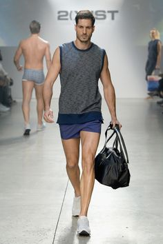 2(X)IST Spring/Summer 2016 Runway Show Pictures   The Fashionisto Male Fashion Trends, Mens Fashion, Short Outfits, Cool Outfits, Hot Men Bodies, Dress Design Sketches, Man Dressing Style, Podium, Short Models