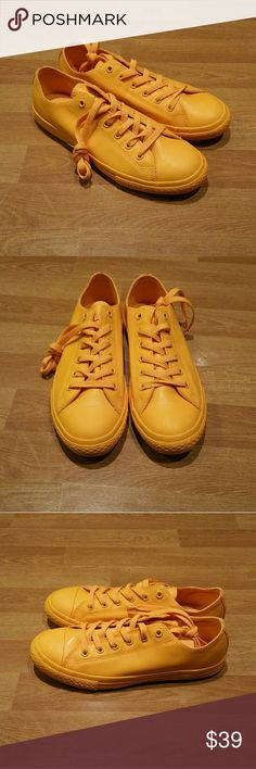 Womens Converse all star* Brand new. Size 8 for womens, size 6 for juniors. Never worn. Converse Shoes Sneakers