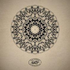 Mandalas Painting, Mandala Artwork, Mandalas Drawing, Geometric Mandala Tattoo, Mandala Tattoo Design, Tattoo Designs, Graffiti Drawing, Cool Art Drawings, Body Art Tattoos