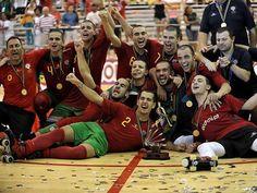 Portugal sagra-se campeão do Mundo de Sub-20 - Hóquei em Patins. A seleção portuguesa de Sub-20 conquistou este domingo o seu segundo título mundial da categoria, 10 anos depois, ao golear a Espanha por 4-1 na final da sexta edição, em Cartagena, Colômbia.