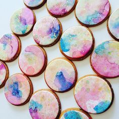 Watercolour & gold splatter cookies by . Looove getting ma' art on These ones were express mailed to Sydney for a special order by sugarsugar_cakes Iced Cookies, Biscuit Cookies, Cupcake Cookies, Sugar Cookies, Cupcakes, Cookie Icing, Royal Icing Cookies, Foundant, Iced Biscuits