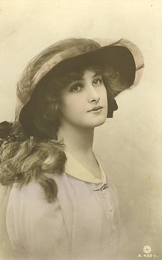 Vintage woman with hat