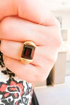大きなガーネットは存在感十分。渋い赤に思いを託して。。。 Rings For Men, Jewelry, Men Rings, Jewlery, Jewerly, Schmuck, Jewels, Jewelery, Fine Jewelry