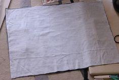 初心者でも簡単!型紙なしレッスンバッグ(絵本&図書バッグ)と上履き入れの作り方☆切り替えとマチ付きのシンプルデザインで男の子でも女の子でもOK![裁断イメージ無料ダウンロード] | ひらめき工作室 Sewing Patterns Free, Free Pattern, Sewing Leather, Patchwork Bags, Learn To Sew, Diy And Crafts, Sewing Projects, Handmade, Handmade Fabric Bags