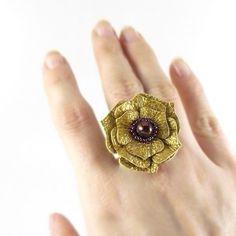 Flores de cuero :lodijoella Tribal Earrings, Leather Earrings, Leather Jewelry, Leather Art, Leather Flowers, Leather Projects, Flower Making, Handmade Jewelry, Gemstone Rings