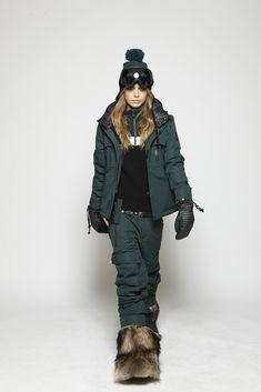 sos-sportswear fall14 2layer, skiing, skifashion, fashion , clothes, sportswear, raccoon, fur boots www.sos-sportswear.com