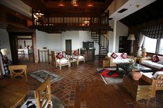 El post de nuestro blog de esta semana es:  Operación 'Casa Nueva': Restauración de muebles de Interior. http://lacasadepinturas.com/blog/restauracion-de-muebles/
