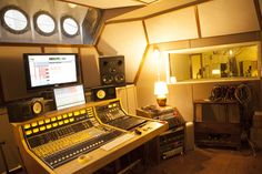 Lightship95 (recording studio on a ship) - London