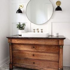 Vintage Accents In Modern Bathrooms: How A Touch Of Timelessness Will Enhance Your Modern Aes...
