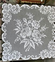 Filet Crochet Charts, Crochet Diagram, Crochet Stitches, Crochet Patterns, Crochet Bedspread, Crochet Pillow, Crochet Carpet, Crochet Home, Crochet Table Topper