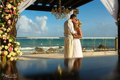 Destination bride and groom portraits at Now Jade Riviera Cancun, Mexico. Magic Art Wedding Studio @nresortswedding
