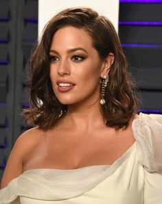 Ashley Graham's Oscars Afterparty Outfit Is Steamier Than the Kiss With Her Husband on the Red Carpet Ashley Graham Vanity Fair Oscar Party Outfit 2019 Olivia Culpo, Marie Claire, Ashley Graham Model, Oscar Hairstyles, Red Carpet Hair, Brown Eyed Girls, Pretty Hairstyles, Girl Crushes, New Hair