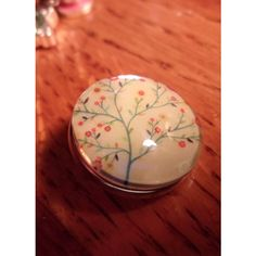 Snap Button-Tree of Life-18mm-Glows In The Dark-Ginger Snaps-Ginger... ($2) ❤ liked on Polyvore featuring jewelry, pendants, cocktail jewelry, charm jewelry, snap button jewelry, glow in the dark jewelry and holiday jewelry