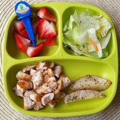 Dinner: herbed chicken & roasted potatoes/ strawberries/ salad  @replayrecycled : plate  @pickease : alien food pick  #bigbossledweaning #bigbossbites #blw #babyledweaning #20months #replayrecycled #pickeaseplease #funwithfood #pickease #pickeasefun  #toddlermeals #babymeals #replaykids #yum #yumr #yummy #Eeeeats #toddlerbites #toddlerfood #kids #kidsfood #winnerwinnerchickendinner