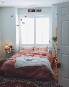 Simple Minimalist Bohemian Bedroom Inspirations on A Budget - Page 32 of 70 Dream Rooms, Dream Bedroom, Home Bedroom, Bedrooms, Bedroom Ideas, Bedroom Decor, Bedroom Inspiration, Modern Bedroom, Master Bedroom