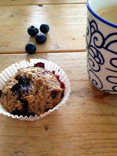 Havermout muffins met blauwe bessen.