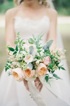 gorgeous spring bouquet with garden roses | Ashley Seawell #wedding