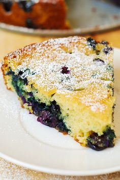Blueberry Greek yogurt cake (sub organic unsweetened applesauce for butter, used white wheat flour, coconut sugar and mixed berries) really good! Blueberry Yogurt Cake, Greek Yogurt Cake, Best Blueberry Muffins, Greek Yogurt Recipes, Blueberry Desserts, Raw Food Recipes, Brunch Recipes, Sweet Recipes, Cake Recipes