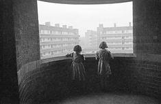 by Bert Hardy, Tenement living, Liverpool, 1940