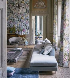 Delft Flower Grande Wallpaper by Designers Guild House Design, Home Decor, Designers Guild, Interior Design Living Room, Living Room Lighting, Cottage Living Rooms, Interior Design, Cottage Living, Furnishings