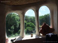 Esta es una de las ventanas de la colección única de casas naturales alrededor del mundo. Descubre todo acerca de esta y de muchas otras en www.naturalhomes.org/es/homes/natural-windows.htm