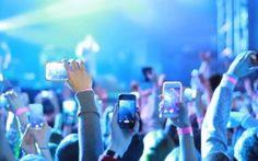 """Un brevetto per bloccare foto e video ai concerti, stazioni, aeroporti In futuro la nostra fotocamera dello smartphone potrebbe non funzionare quando ci troviamo in un concerto, in un cinema a vedere un film o in luoghi """"sensibili"""" come stazioni o aeroporti. Apple, infa #apple #brevettoapple"""