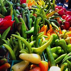 Gorgeous, bright #peppers at Union Square Greenmarket in #Manhattan! Via emadsalameh on Instagram #farmersmarketnyc