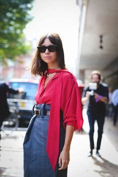 The LFW SS18 came to an end and, as usual, let's see which were the best street style outfits. Generally, for some reason, I'm not a fan of the looks worn in London, but this time I was surprised.