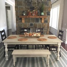 Free DIY Farmhouse Table Plans to Give a Rustic Feel to Your Dining Room Extendable Dining Table, Dining Table Chairs, Dining Furniture, Dining Rooms, Diy Furniture, Feng Shui, Dining Table Dimensions, Farmhouse Table With Bench, Kitchen Dinning