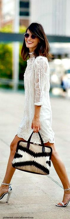 Street Style. Lace done with sophistication