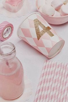 decorate party cups with glitter tape DIY Party Decorations First Birthday Parties, Girl Birthday, First Birthdays, Birthday Ideas, Birthday Celebration, Party Fiesta, Festa Party, Deco Tape, Princesse Party