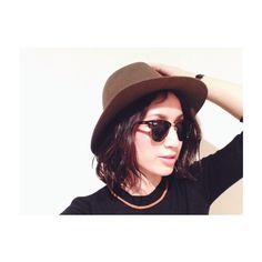 Instagram media by yuccoxx - 今年めっちゃ黒×茶色の気分。でもさ、パーマに帽子とサングラスってさ、松田優作?  #で松田優作ググって自分でウケちゃったパティーン