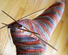 If I ever learn to knit I might try socks and I might need this after thought he. If I ever learn to knit I might try socks and I might need this after thought heel tutorial. Always wanted to learn how . Crochet Socks, Knitted Slippers, Knit Or Crochet, Knitting Socks, Knitting Stitches, Hand Knitting, How To Knit Socks, Knitting Help, Sock Yarn