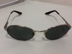 Ray Ban B & L W2839 Vintage Oval Silver Metal Frame Sunglasses. Free shipping and guaranteed authenticity on Ray Ban B & L W2839 Vintage Oval Silver Metal Frame Sunglasses at Tradesy. Ray Ban B & L W2839 Vintage Oval Silver Metal Fram...