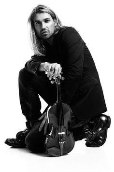 David Garrett ~ Famous Violinist ~ Unique fusions of Bands & Orchestra. Queen (Hottest Violin player ever) David Garrett, Violin Photography, Josh Gorban, Star David, Great Pic, Music Photo, Good Looking Men, Queen, Perfect Man
