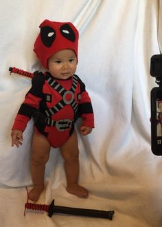 Rocket Rodriguez as Deadpool baby. Costume made by @hotroddog on Instagram