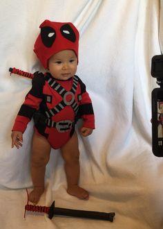 Rocket Rodriguez as Deadpool baby. Costume made by @hotroddog on Instagram