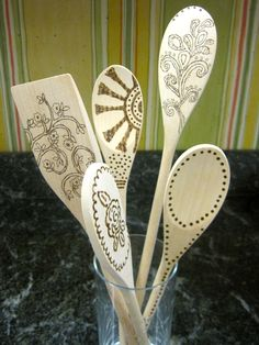 Burned Wooden Spoons...I have to try this! Click photo for tutorial.