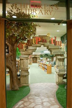 This is so inviting. A great use for all of those books you are discarding, Karen. Brentwood Children's Library-Oh my word.just by looking at pictures I am totally in love with this library in Brentwood, TN! Future Library, Kids Library, Dream Library, Library Design, Children's Library, Library Ideas, Library Inspiration, Library Furniture, Learning Spaces
