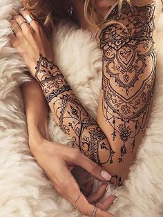 Elegant Half Sleeve Tattoos, Lace Sleeve Tattoos, Henna Sleeve, Shoulder Sleeve Tattoos, Woman Sleeve Tattoos, Henna Tattoo Shoulder, Mandala Sleeve, Elegant Tattoos, Gorgeous Tattoos