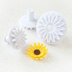 Love using these to decorate cakes, cookies and cupcakes, make great gerberas too! 3 Sunflower Cutters - From Lakeland