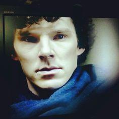 35/365 - No se me ocurre cómo mejorar la serie de Sherlock de la BBC. Pero para estropearla basta el doblaje castellano y los anuncios de Neox #2013/365