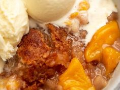 Southern Candied Yams Recipe Southern Peach Cobbler, Candy Yams, Peach Syrup, Ripe Peach, Canned Peaches, Summer Desserts, Easy Desserts, Cooking Recipes, Beef Recipes