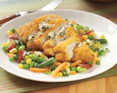 A delicious mixture of crispy chicken, bacon, and blue cheese combined for a perfect lunch or light dinner.