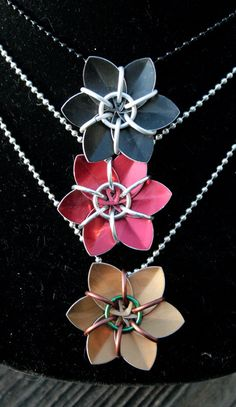 Custom Simple Scale Flower necklace by IchiBlack on Etsy, $5.00  ~Stunning chain mail work!!~