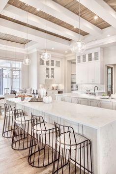 White Kitchen Design Ideas Adding Warmth - Home Remodeling Ideas Home Decor Kitchen, New Kitchen, Home Kitchens, Kitchen Layout, Kitchen Ideas, Kitchen White, House Kitchen Design, White Kitchen Interior, White House Interior